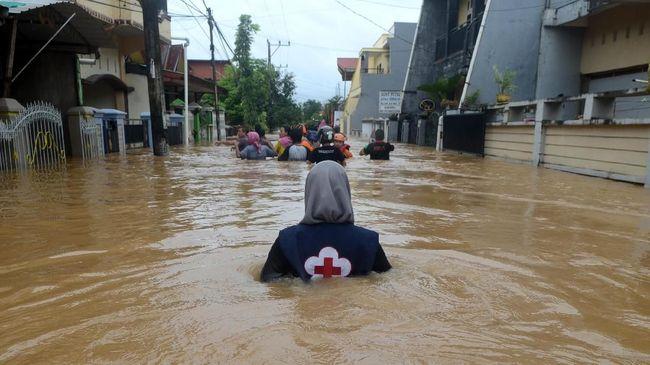 Kepala BNPB Tinjau Banjir dan Longsor di Sulsel