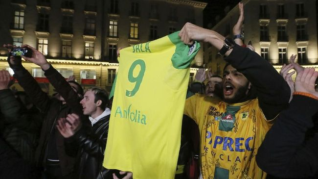 Nantes Pensiunkan Nomor 9 Emiliano Sala