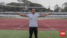 Hendro Kartiko: Antara Barthez Indonesia dan Sepak Bola Gajah