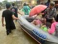 Banjir, Warga Maros Sulawesi Selatan Mengungsi di Masjid