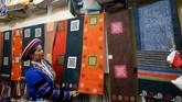 Para wanita bisa mendapatkan hingga US$ 170 per bulan, upah yang layak di provinsi Ha Giang yang miskin. (Nhac NGUYEN / AFP)