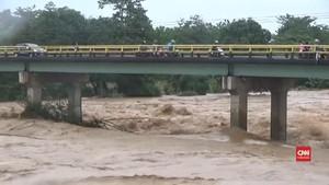 VIDEO: Upaya Evakuasi Korban Banjir di Wilayah Sulsel