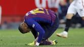 Kevin-Prince Boateng mengalami cedera. Ernesto Valverde menggantikan Boateng dengan Luis Suarez pada menit ke-63. (REUTERS/Marcelo del Pozo)