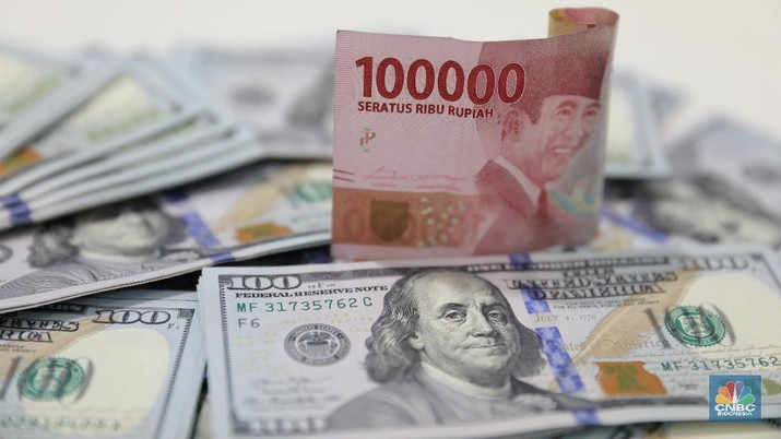 Pukul 12.00 WIB: Rupiah Masih Dekat Rp 16.000/US$