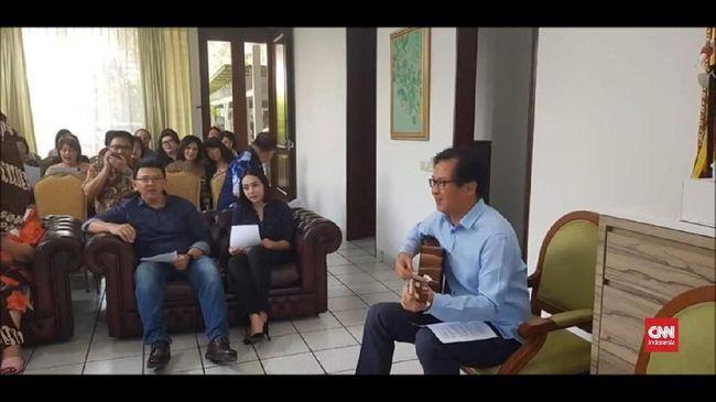 Video: Bebas, Ahok Nyanyi Lagu Rohani Bareng Puput