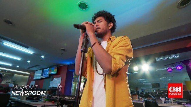 Music at Newsroom: Teddy Adhitya - 'Why Would I Be'