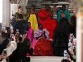 FOTO: Imaji Warna Tak Biasa Valentino Couture