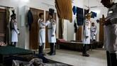 Meski nama resmi pasukan ini Paspampres, tapi mereka tak selalu mengemban tugas untuk mengawal presiden. (AFP Photo/Chandan Khanna)