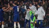 Para pemain Chelsea merayakan kemenangan atas Tottenham Hotspur. Chelsea akan menghadapi Manchester City pada final Piala Liga Inggris 2019 di Stadion Wembley, 24 Februari mendatang. (REUTERS/Ian Walton)