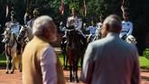 Selalu berada di belakang pejabat negara dalam kesehariannya, Pasukan Pengaawal Presiden India kini menjadi sorotan utama, menunjukkan kegagahannya dalam parade Hari Kemerdekaan. (AFP Photo/Chandan Khanna)