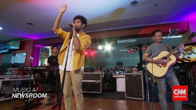 Music at Newsroom: Teddy Adhitya - 'In Your Wonderland'