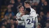 Tottenham Hotspur kemudian memaksakan adu penalti setelah Fernando Llorente mencetak gol pada menit ke-50. Skor agregat 2-2 membuat adu penalti harus digelar untuk menentukan pemenang. (Reuters/Matthew Childs)