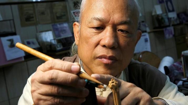 Chen Forng-shean dari Taiwan menjadi terkenal dengan karya-karya seninya yang kecil.