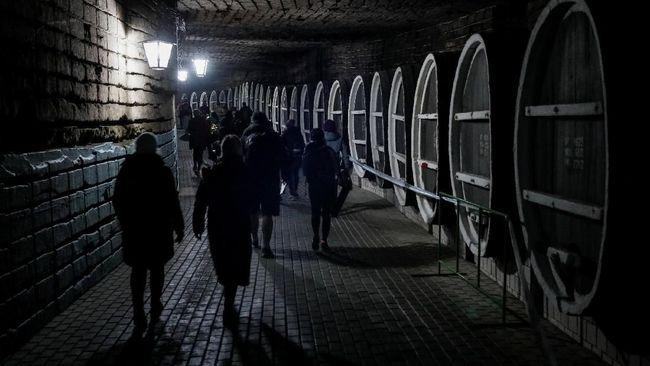 Gudang Anggur Bawah Tanah Moldova Jadi Lokasi Lomba Lari