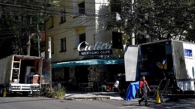 'Roma' berlatar belakang tahun 1970-an di lingkungan Meksiko tempat sang sutradara tumbuh besar, La Roma.(Photo by RODRIGO ARANGUA / AFP)