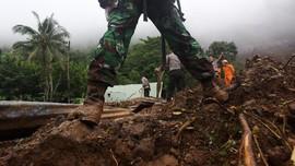 Tebing Piket Nol Longsor, Jalur Lumajang-Malang Terputus