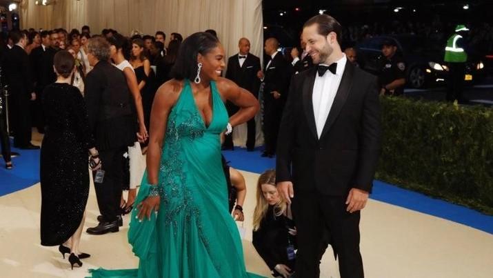 Cara Serena William menghabiskan kekayaannya