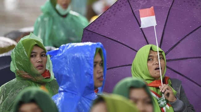 Ketua PBNU KH Said Aqil Siroj dalam sambutannya meminta kaum perempuan berperan aktif di kancah politik Indonesia. (ANTARA FOTO/Wahyu Putro A)