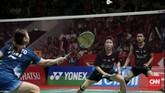 Liliyana Natsir yang berpasangan dengan Tontowi Ahmad berhasil lolos ke final Indonesia Masters 2019 di turnamen terakhir Butet sebelum pensiun di Istora Senayan, Jakarta, Minggu (27/1). (CNN Indonesia/Andry Novelino)