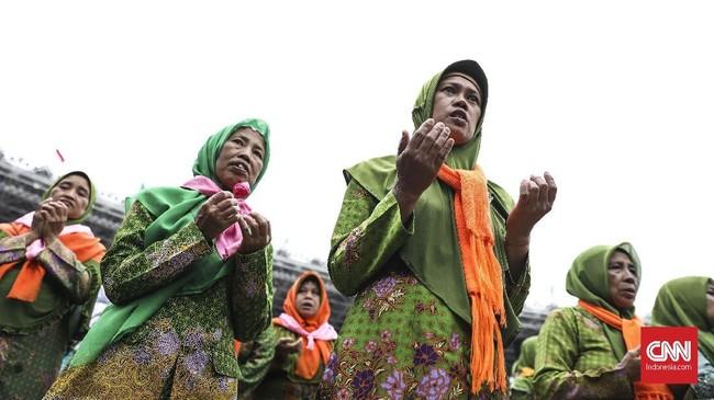 Muslimat NU hanya satu dari empat organisasi perempuan di NU selain IPPNU, KOPRI, dan Fatayat NU.(CNN Indonesia/ Hesti Rika)