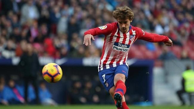 Football Espana mengklaim Barcelona siap menjual Ivan Rakitic, Samuel Umtiti, dan Philippe Coutinho demi mendapatkan dana segar untuk membeli penyerang Atletico Madrid Antoine Griezmann. (REUTERS/Javier Barbancho)