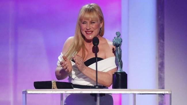 Patricia Arquette memenangi Aktris Terbaik di Film TV atau Serial Terbatas dengan berakting di 'Escape at Dannemora.' Dalam pidatonya, ia berterima kasih pada konselor Robert Mueller. (REUTERS/Mike Blake)