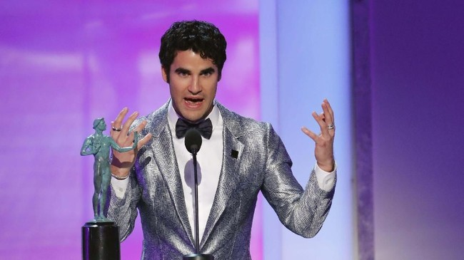 Akting Darren Criss di 'The Assassination of Gianni Versace: American Crime Story' membuatnya diganjar penghargaan Aktor Terbaik di Film TV atau Serial Terbatas SAG Awards 2019. (REUTERS/Mike Blake)