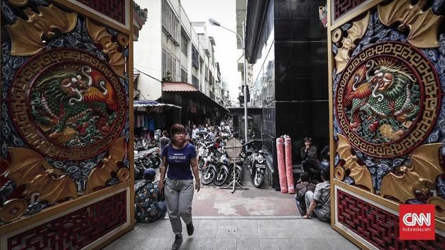 Vihara Hok Tek Ceng Sindidirikan sejak tahun 1808 dan ramai dikunjungi jemaatnya setiap perayaan Tahun Baru China, Cap Go Meh, Cap It, Cap It Gwee, Cengbeng dan seterusnya.