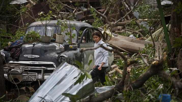 Diterjang Tornado, Ibu Kota Kuba Porak-poranda