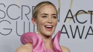 Kisah Eri Dwi Suciaji Rancang Anting untuk Emily Blunt