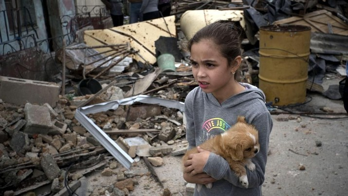 Sebuah tornado menerjang sejumlah pemukiman di Havana yang menyebabkan korban jiwa dan luka-luka.