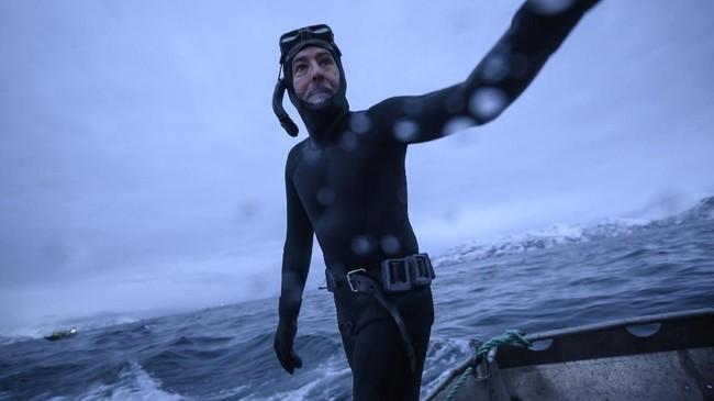 Seorang pakar Orcaasal Prancis, Pierre Robert de Latour, mengatakan selain melalukan migrasi populasi Orca pun sudahjauh berkurang akibat perubahan iklim.