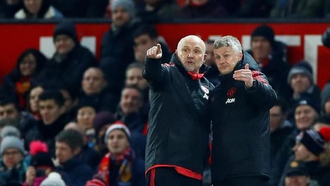 Ole Gunnar Solskjaer mendapatkan pujian karena mampu membawa Manchester United terhindar dari kekalahan lewat dua gol di pengujung laga. Namanya bahkan dikaitkan dengan istilah 'Fergie Time' yaitu saat Manchester United sering mencetak gol di saat akhir ketika era Sir Alex Ferguson. (Reuters/Jason Cairnduff)