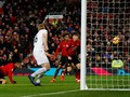 Man United Nyaris Kalah, Man City Takluk dari Newcastle