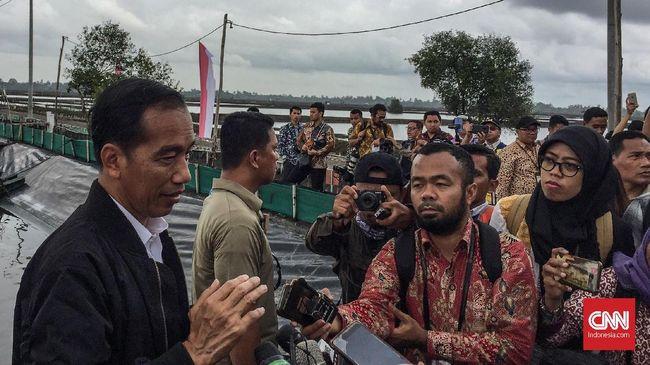 Warga Bantaran Kali Cecar Jokowi soal Ancaman Penggusuran