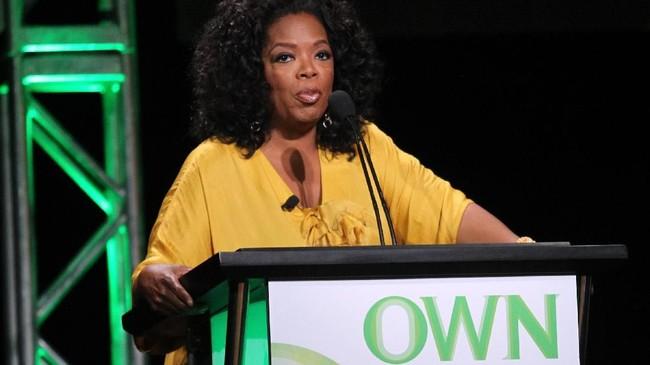 Sejak memutuskan pensiun dari panggung pembawa acara dan menutup 'Oprah Winfrey Show' yang telah dimulai sejak 1986 hingga 2011, Oprah lebih banyak mengelola jaringan televisi miliknya dan aktif dalam kegiatan filantropi.(Frederick M. Brown/Getty Images/AFP)