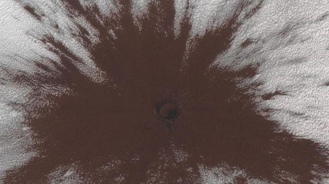 NASA Temukan Kawah Baru Berdiameter 1 Km di Mars
