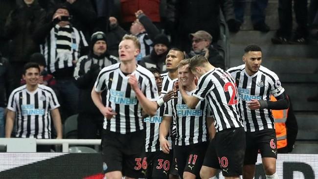 Skor 2-1 untuk Newcastle United bertahan hingga akhir pertandingan. (REUTERS/Scott Heppell)