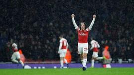 Arsenal Menang 2-1, Menyamai Poin Chelsea di Klasemen