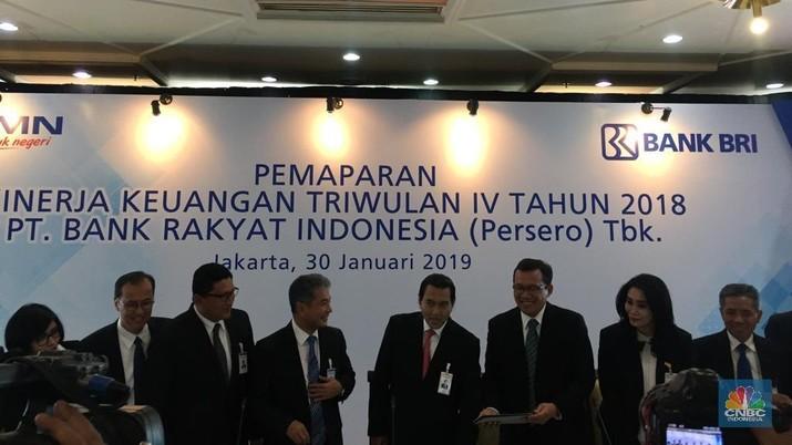 Bank terbesar di Indonesia ini berhasil mencatatkan pertumbuhan laba bersih tahun 2018 yang cukup baik, meskipun ancaman pelambatan menerpa.