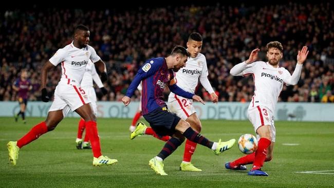 Barcelona menjamu Sevilla dalam laga leg kedua perempat final Copa del Rey. Barcelona kalah 0-2 di leg pertama. (REUTERS/Albert Gea)