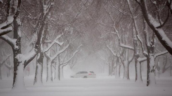 AS membeku akibat suhu yang turun ekstrem