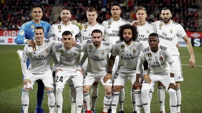 Pelatih Real Madrid Santiago Solari mencadangkan sejumlah pemain bintang seperti Thibaut Courtois dan Gareth Bale saat menghadapi Girona pada leg kedua perempat final Copa Del Rey, Kamis (31/1) malam waktu setempat. (REUTERS/Albert Gea)