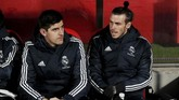 Thibaut Courtois dan Gareth Bale menjadi cadangan Real Madrid saat menghadapi Girona di leg kedua perempat final Copa Del Rey. (REUTERS/Albert Gea)