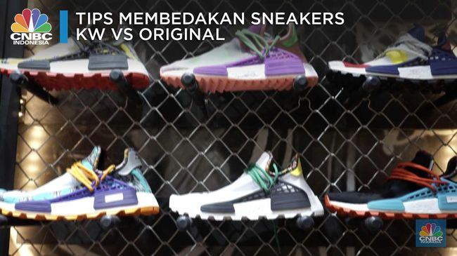 Inilah 10 Kolaborasi Sneakers Paling Cetar Selama 2018 e211c0fe26