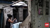 Fasilitas untuk Kebutuhan MCK terlihat tidak terawat di kawasan kampung Ampiun, Menteng, Jakarta Pusat. (CNNIndonesia/Andry Novelino)