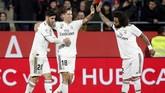 Real Madrid memperbesar keunggulan menjadi 3-1 melalui gol Marcos Llorente pada menit ke-76 setelah menerima umpan Daniel Ceballos. (REUTERS/Albert Gea)