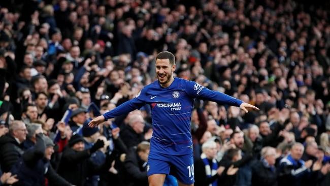 The Blues sukses menggandakan keunggulan menjadi 2-0 berkat eksekusi penalti Eden Hazard di menit ke-45. (REUTERS/David Klein)
