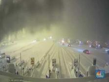 Salju Lebat di Italia, Ribuan Mobil Terjebak Di Jalan Tol