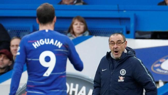 Saat ini Higuain total mengemas 40 gol dalam 45 pertandingan di bawah arahan pelatih Maurizio Sarri. (Reuters/John Sibley)